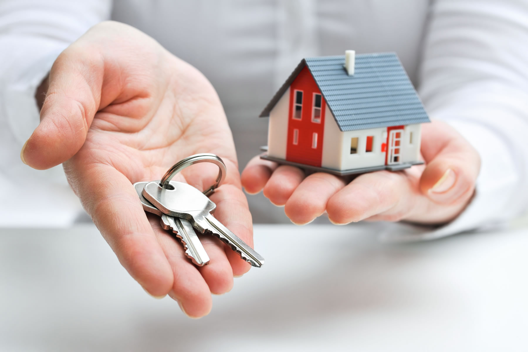 Advantages of Shopping for Property in Costa Blanca